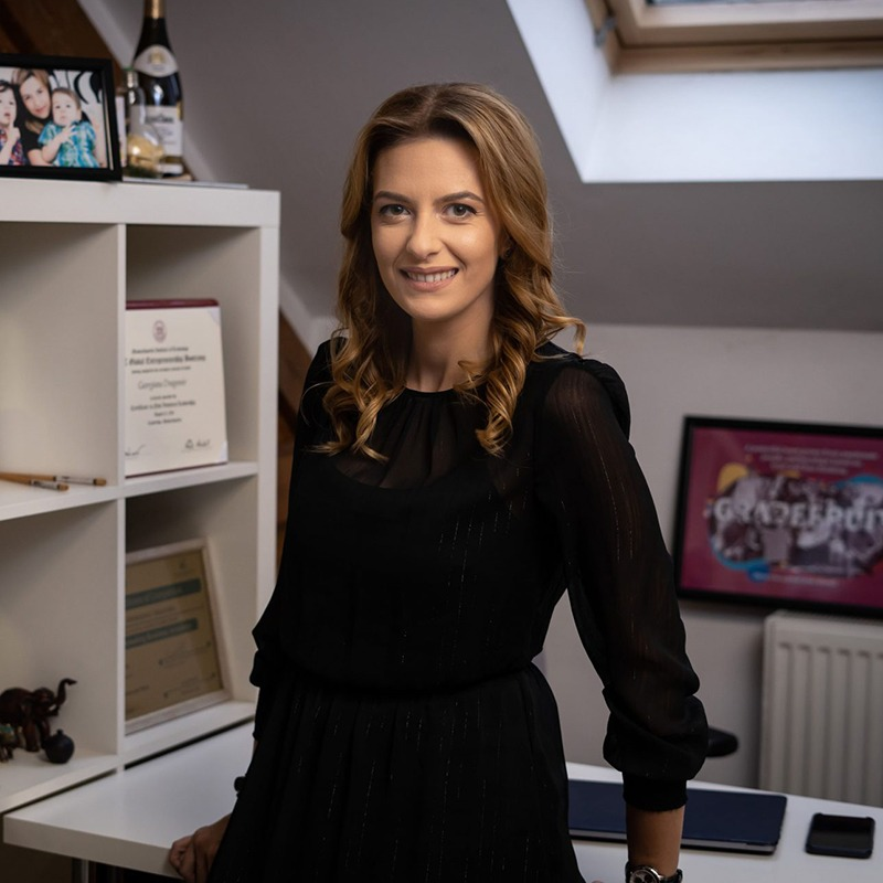 Georgiana Dragomir, Managing Director, Grapefruit